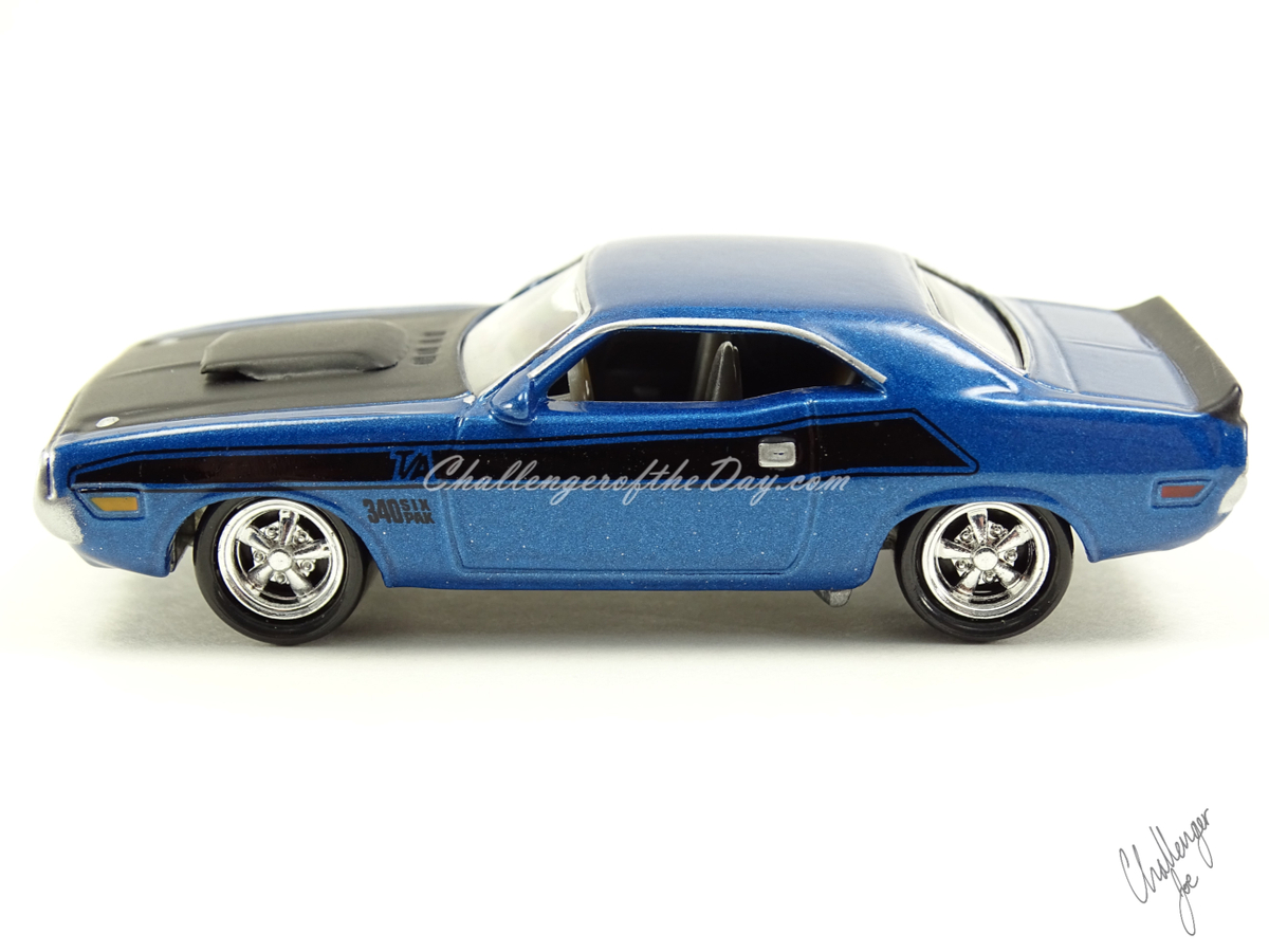 1970 Dark Blue Metallic TA 340 Six Pack (1).JPG