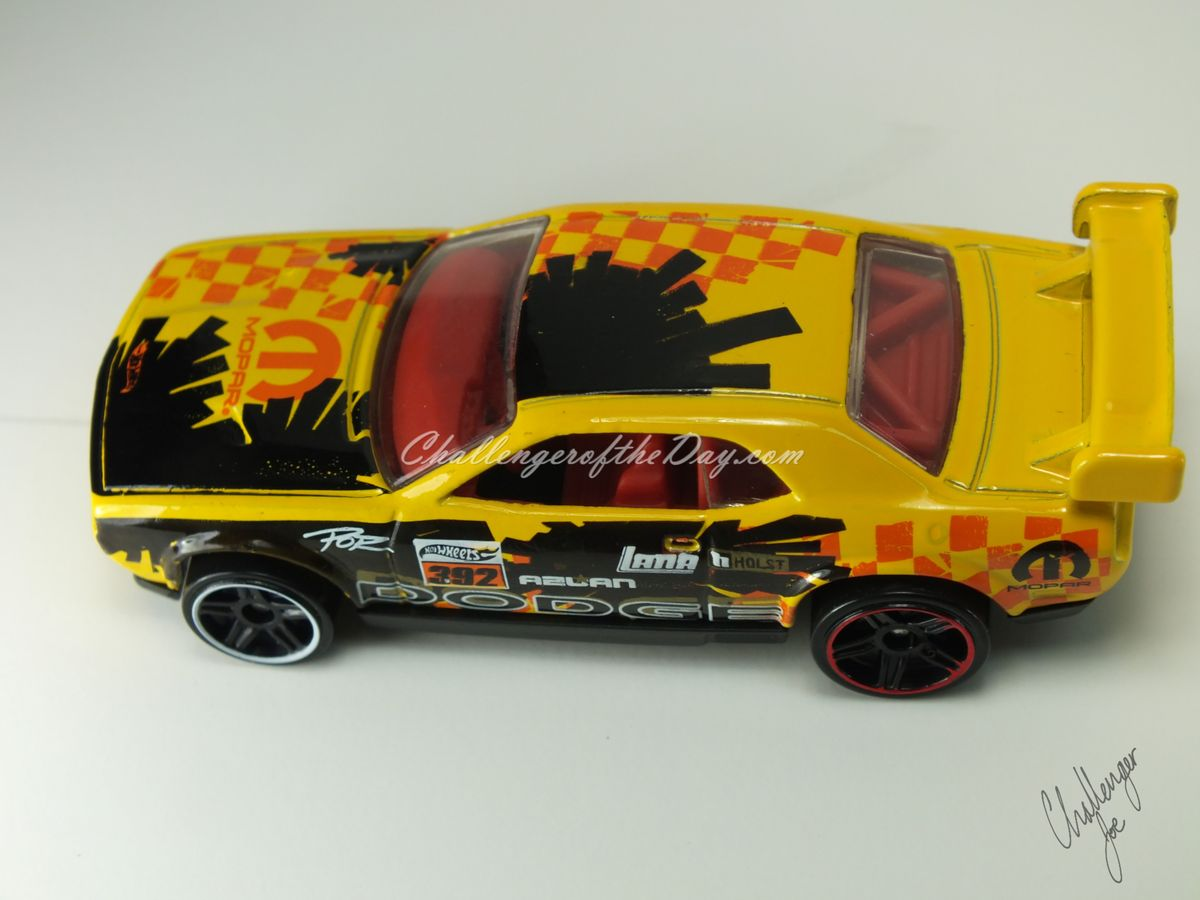 Hot Wheels Dodge Challenger Drift Car Yellow (7).JPG