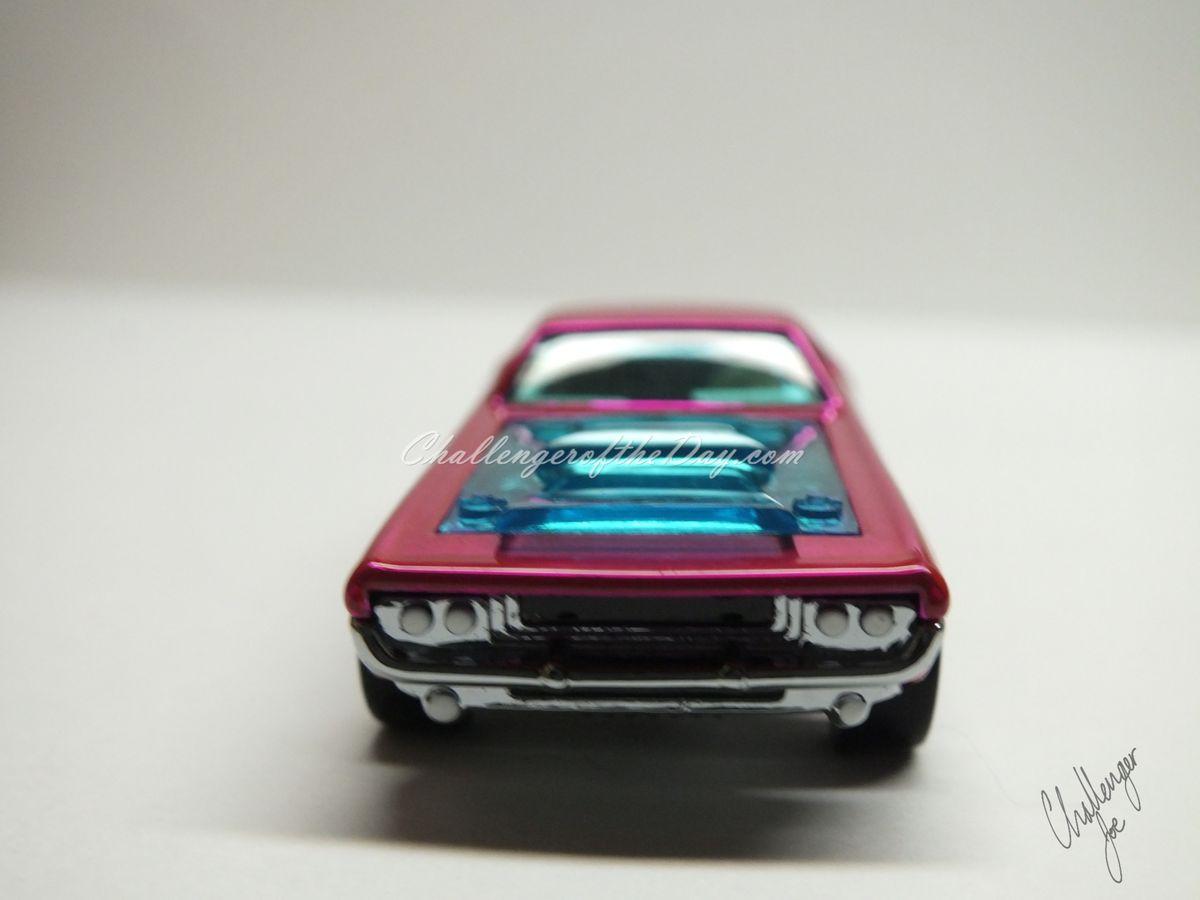 RLC Spectaflame Pink 2004 Bye Focal Twin V8 (3).JPG