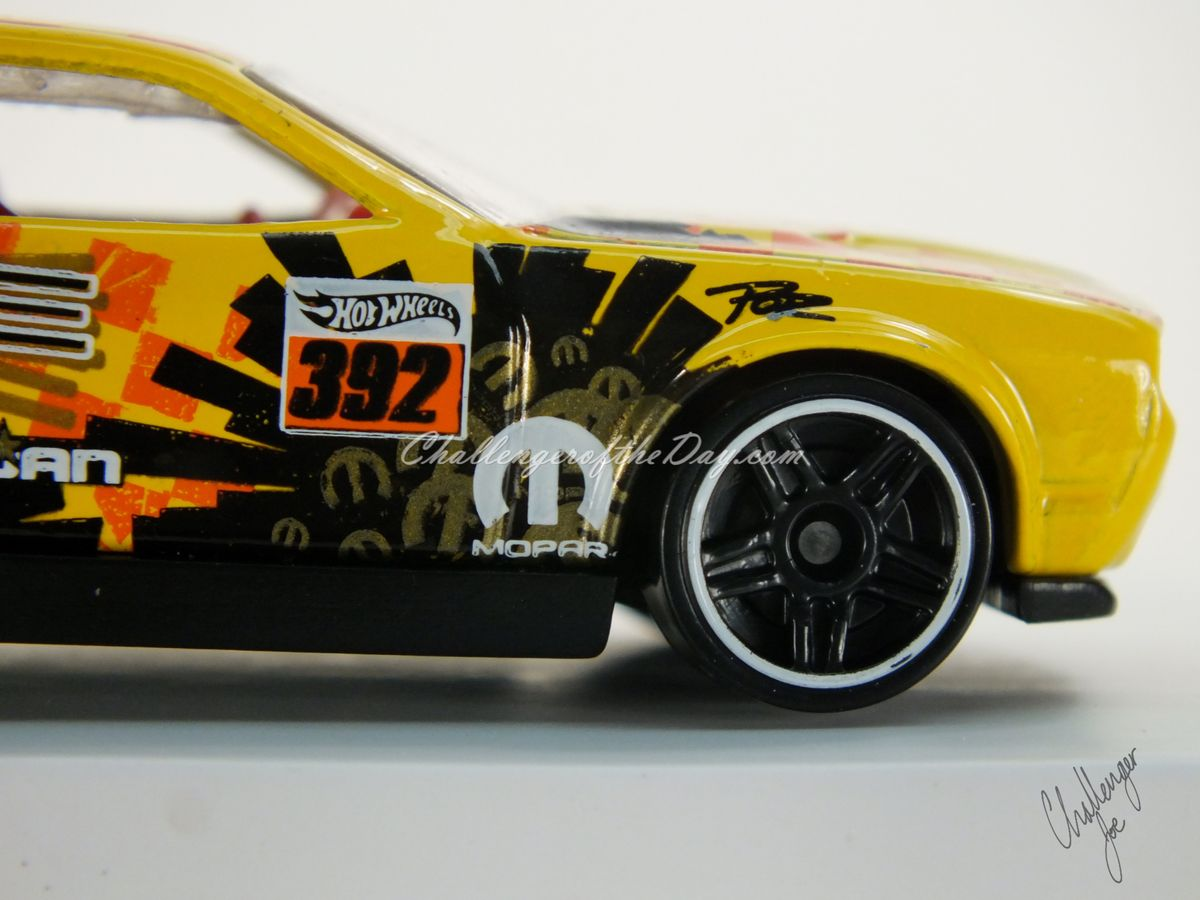 Hot Wheels Dodge Challenger Drift Car Yellow (12).JPG