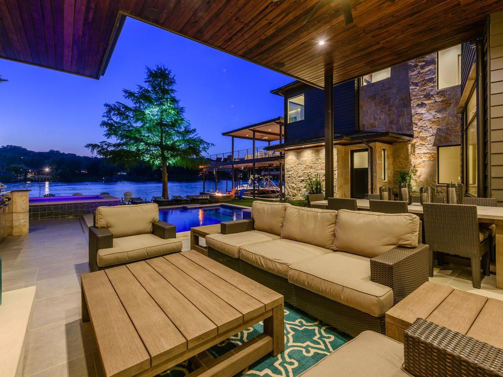 outdoor living.jpg