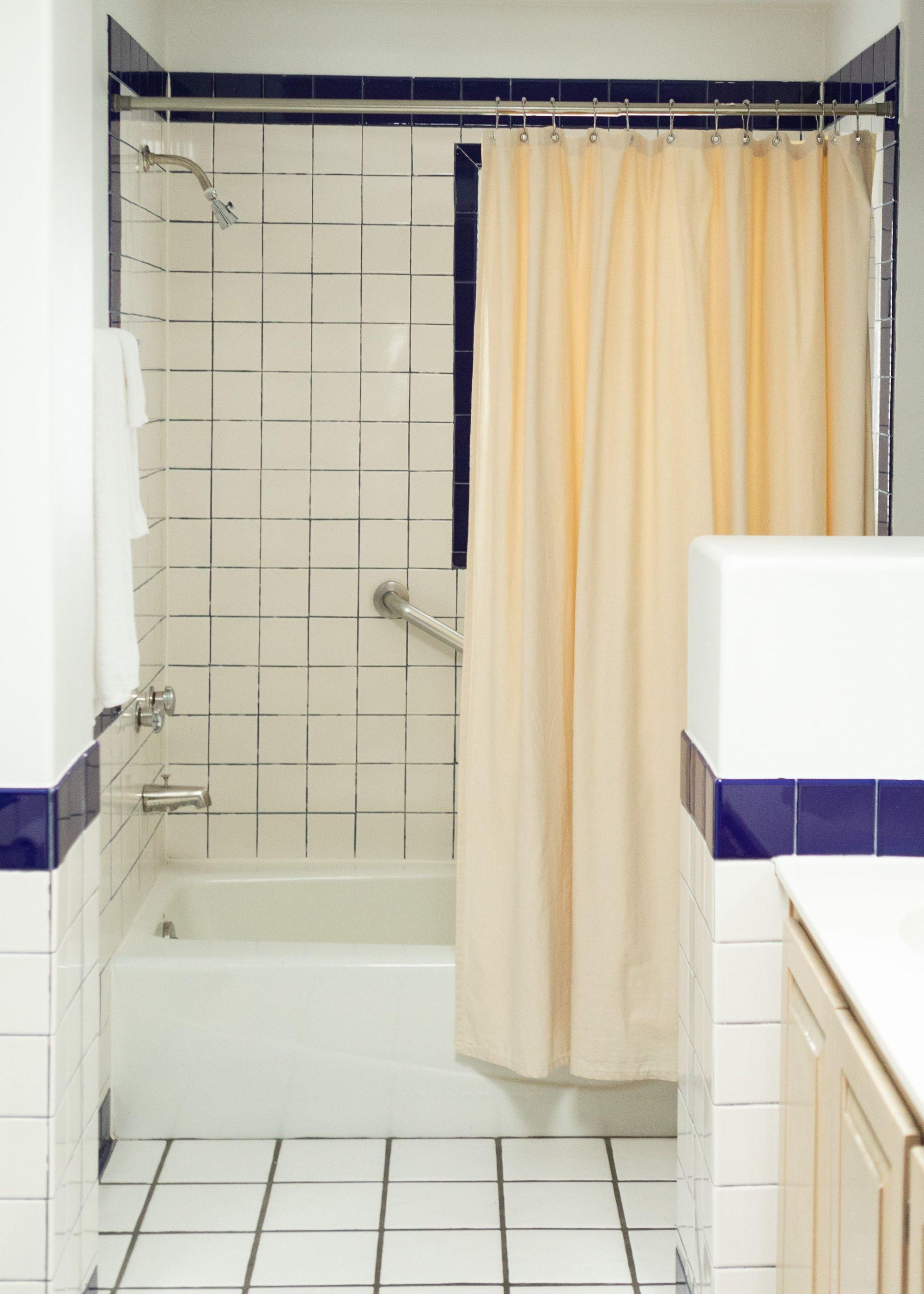 Bathroom 2-20190612104406_v1_current-min.jpg
