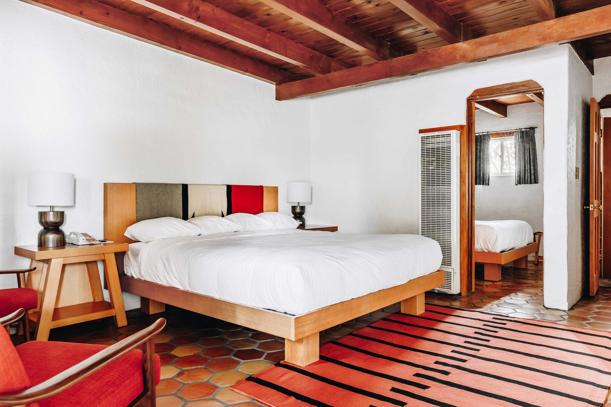El_Rey_rooms-6_v1_current-min.jpg