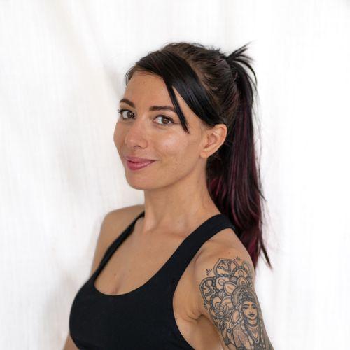 Colleen-Sullivan-Yoga-Teacher-Hawaii.jpg
