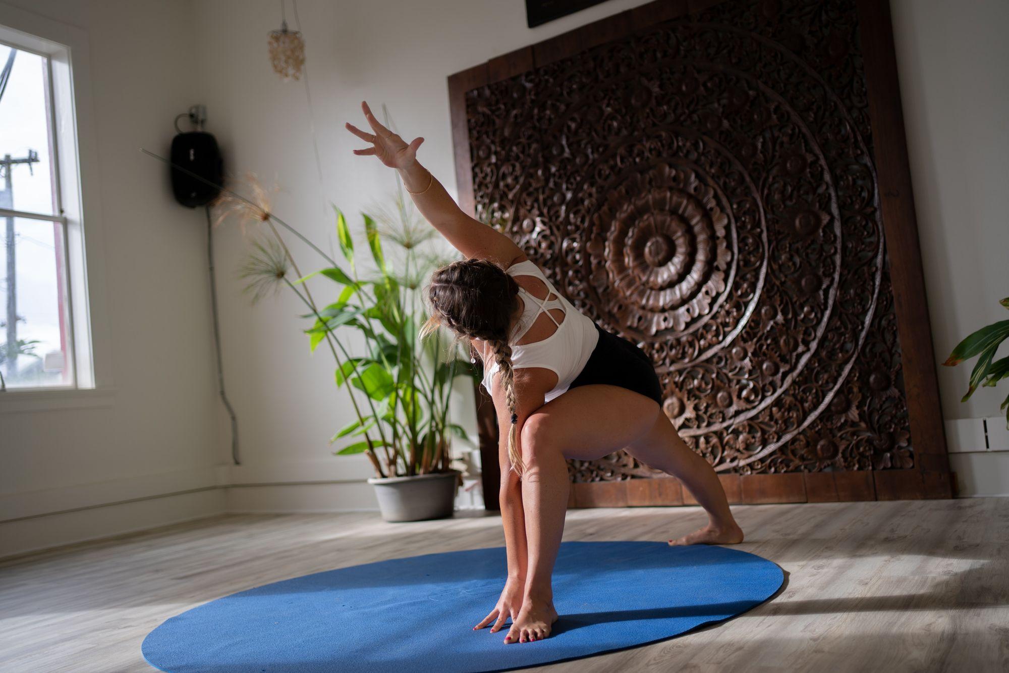 Vinyasa-Yoga-Class-Flow.jpg