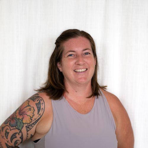 Amy-Shirk-Yoga-Teacher-Hawaii.jpg