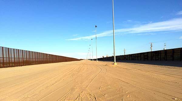 Utility-Locating-at-US-Mexico-Border-Fence-Yuma-AZ-03.jpg