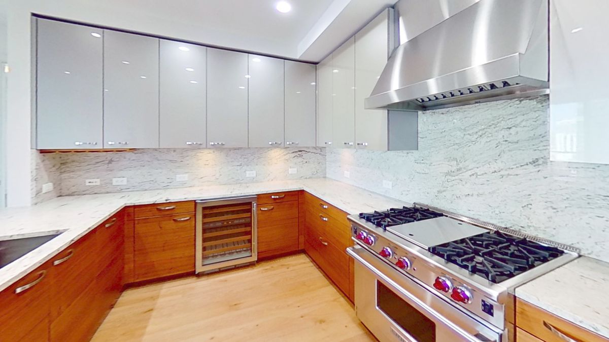 200-Congress-Ave-Kitchen.jpg