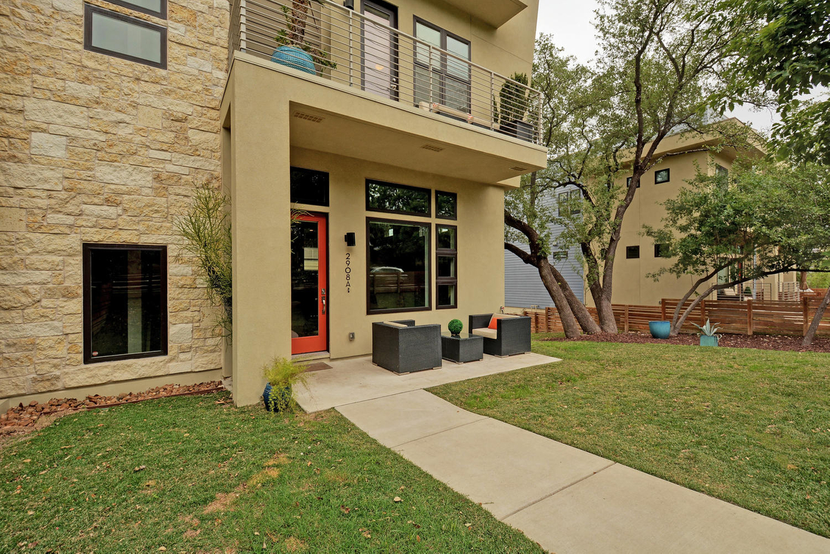 2908 S 5th St Unit a-large-001-24-Exterior Front 388-1499x1000-72dpi.jpg
