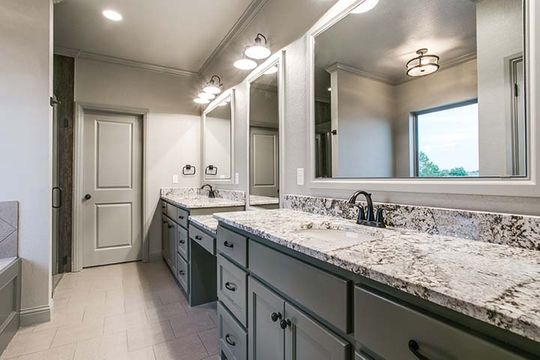 Custom Luxury Bathoom Construction in Bridgeport, Texas