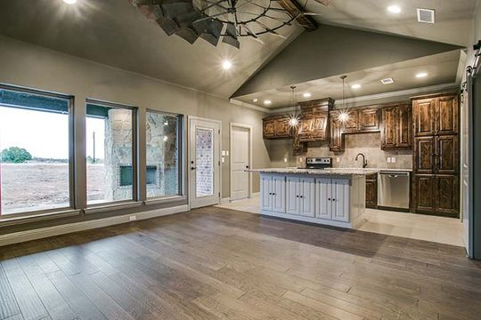 Modern Rustic Country Home Builder in Bridgeport, Texas