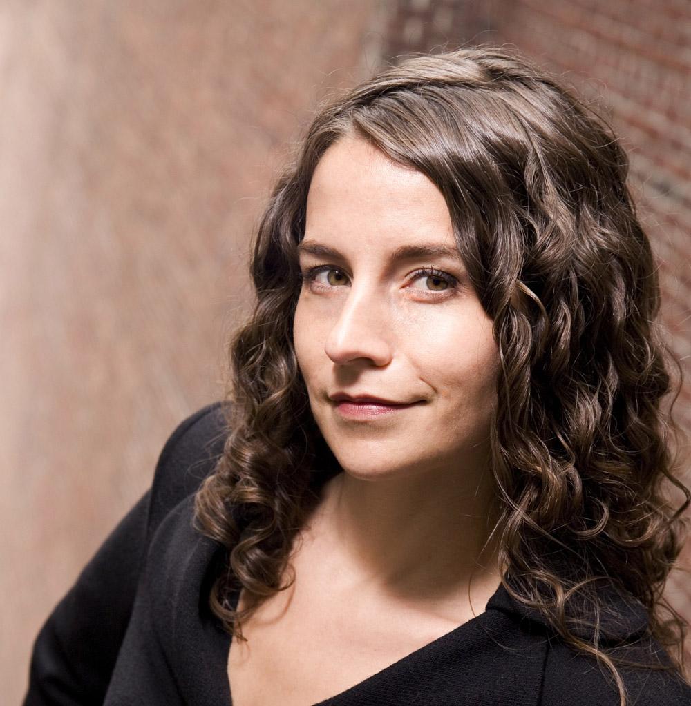 Sara Holoubek