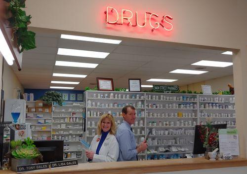 Pharmacist-Spotlight-Lisa-Tony-Gales.jpg