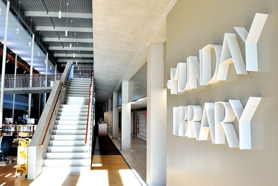 04 SEU Munday Library HR Edit.jpg