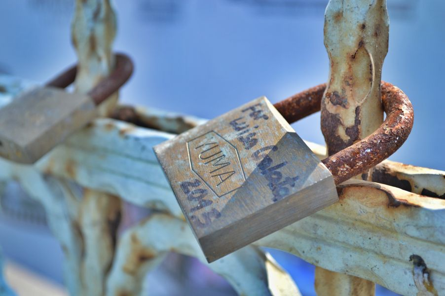 lock on Galeta bridge.jpg
