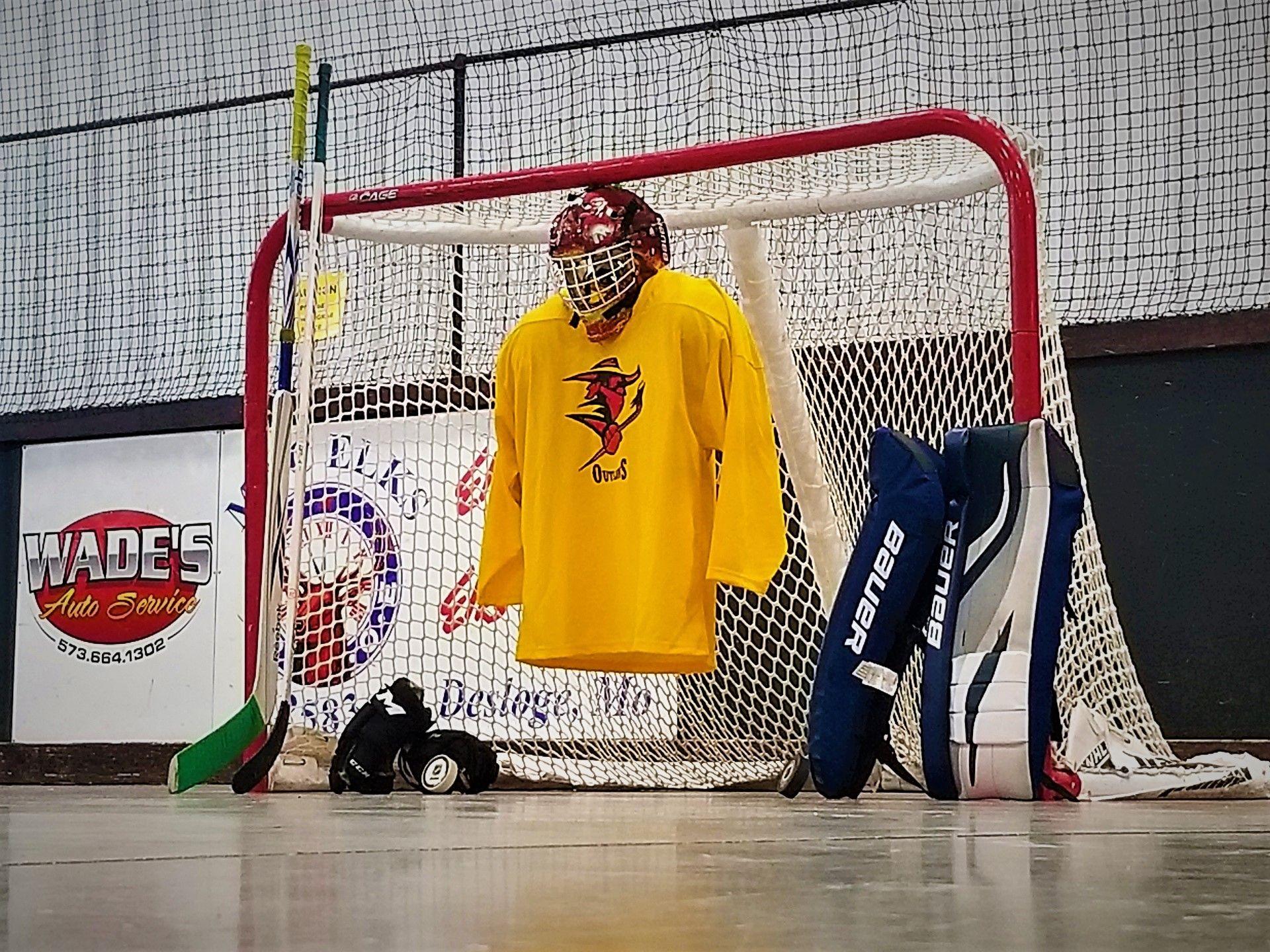 Hockey Gear - Right Side View 1 V.jpg