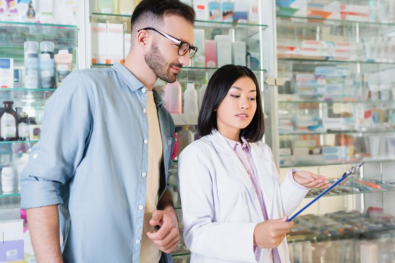 pharmacist with patient.jpg
