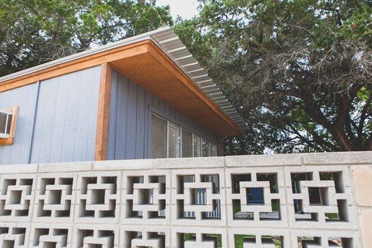Pet Friendly Cabin Rentals - New Braunfels, Texas