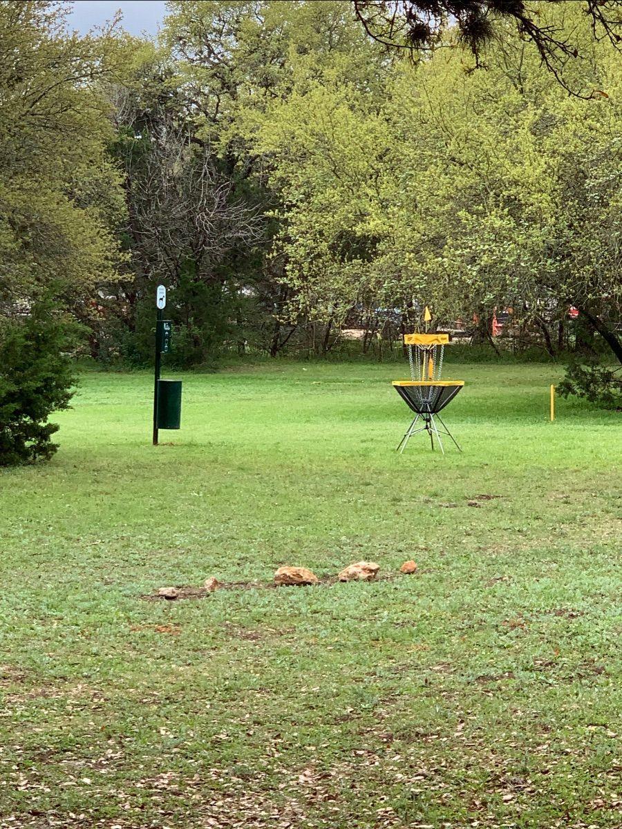 frisbee golf hole2