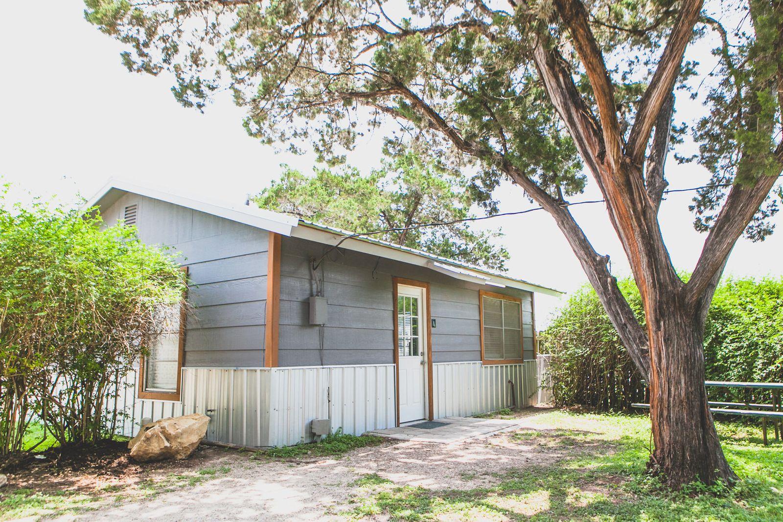 Cottage #1 - Yoakum