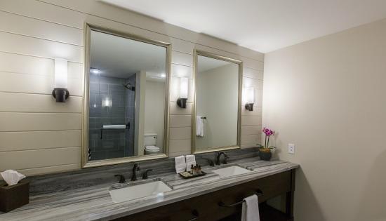 Garden Suite (3) - Boutique Hotel Bathroom_CROPPED_550x315.jpg