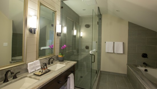 Manor Suite Bathroom at the Inn at Chesapeake Bay