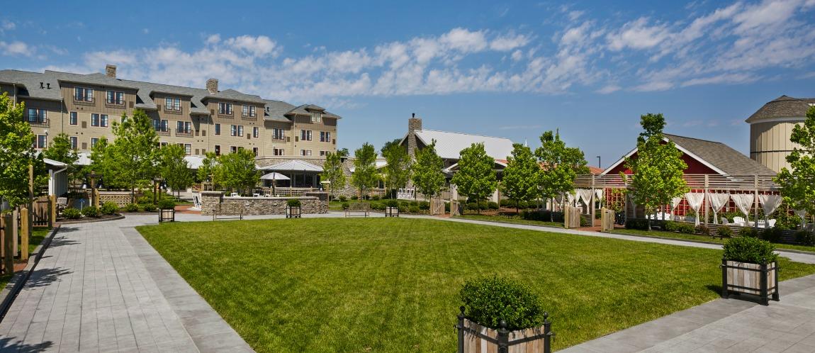 extensive gardens grounds - Hilton Garden Inn Kent Island
