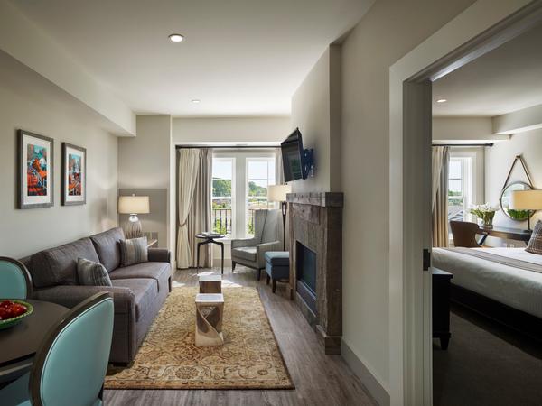 Suites in Chespeake Bay