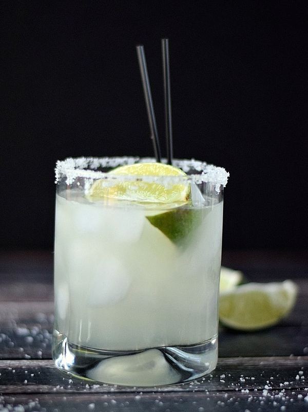 Classic-Margarita-on-the-rocks-cookingwithcurls.com_.jpg