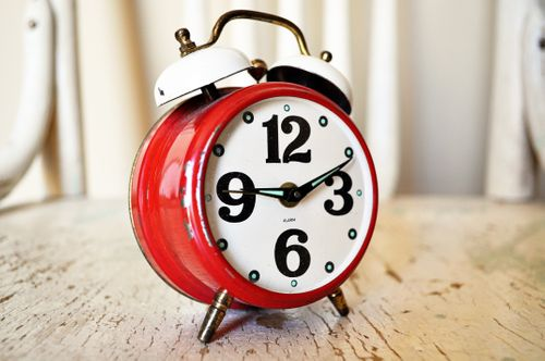 alarm-alarm-clock-analog-280254.jpg