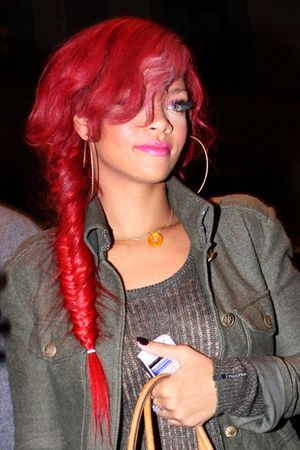 Rihanna+Long+Hairstyles+Long+Braided+Hairstyle+Oic_wVcD1Dsl.jpg