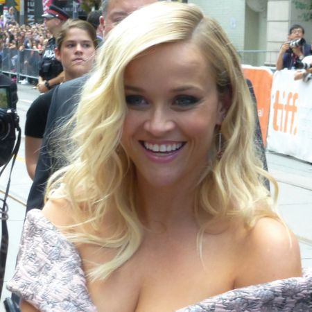 Reese_Witherspoon_(29144489784)_(cropped).jpg