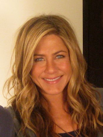 Jennifer_Aniston_image_2_(cropped).jpg