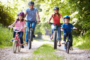 180410_family-bike-ride-spring-activities-to-do-as-a-family.jpg