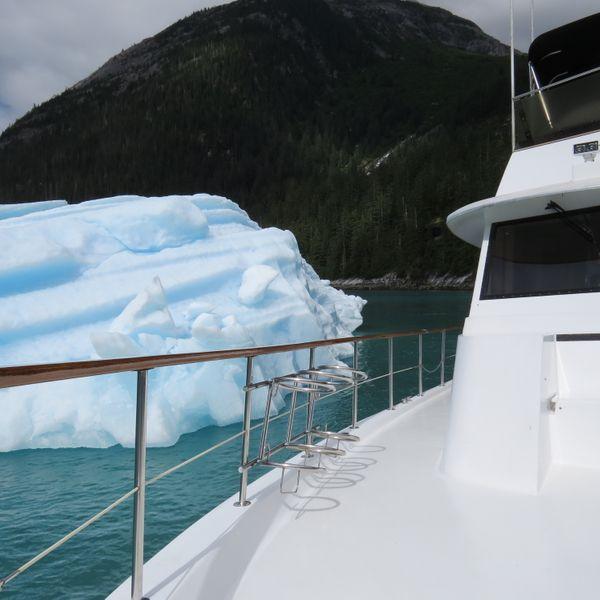 luxury yacht charter companies