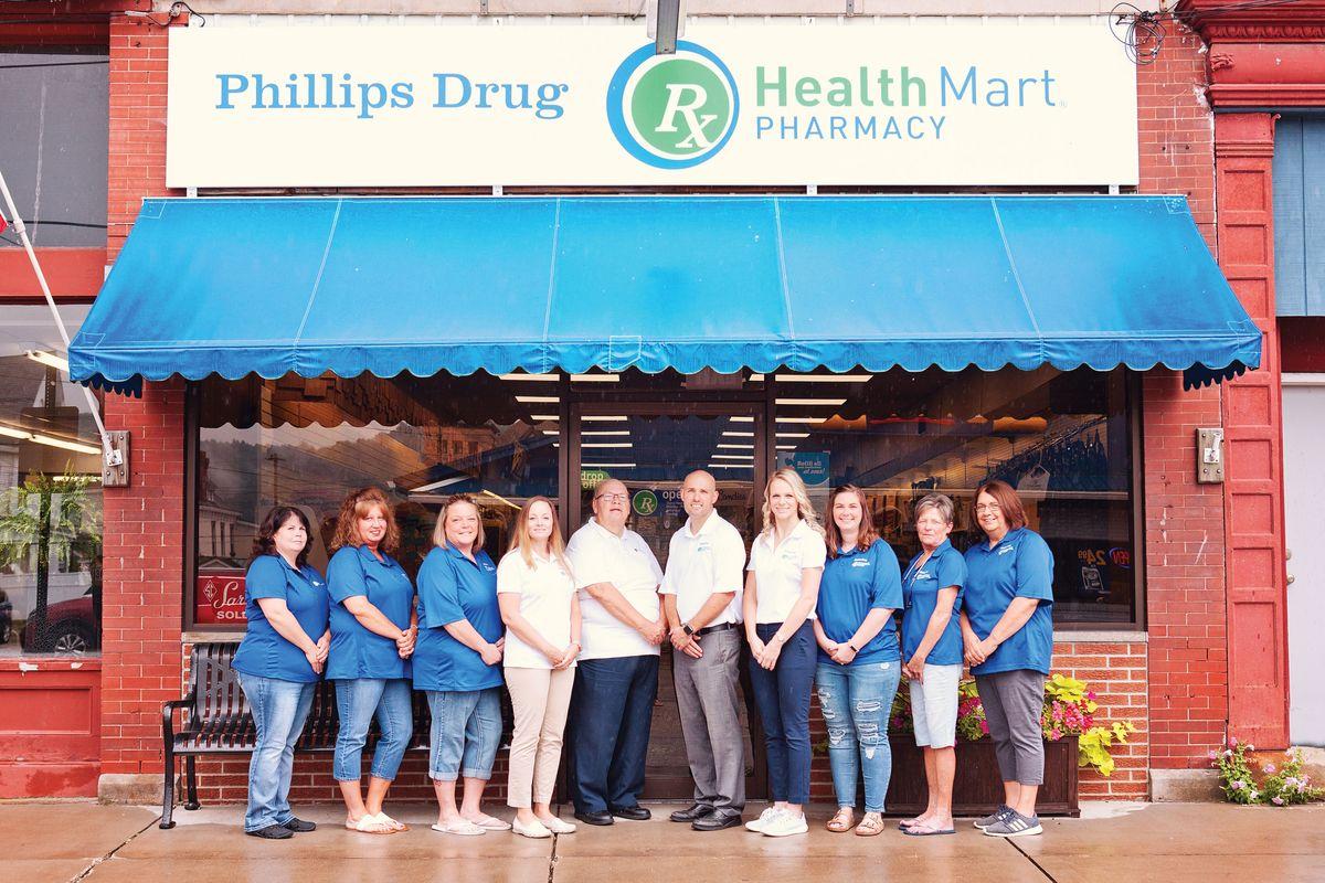 Groupphoto.Philllips employees.jpg