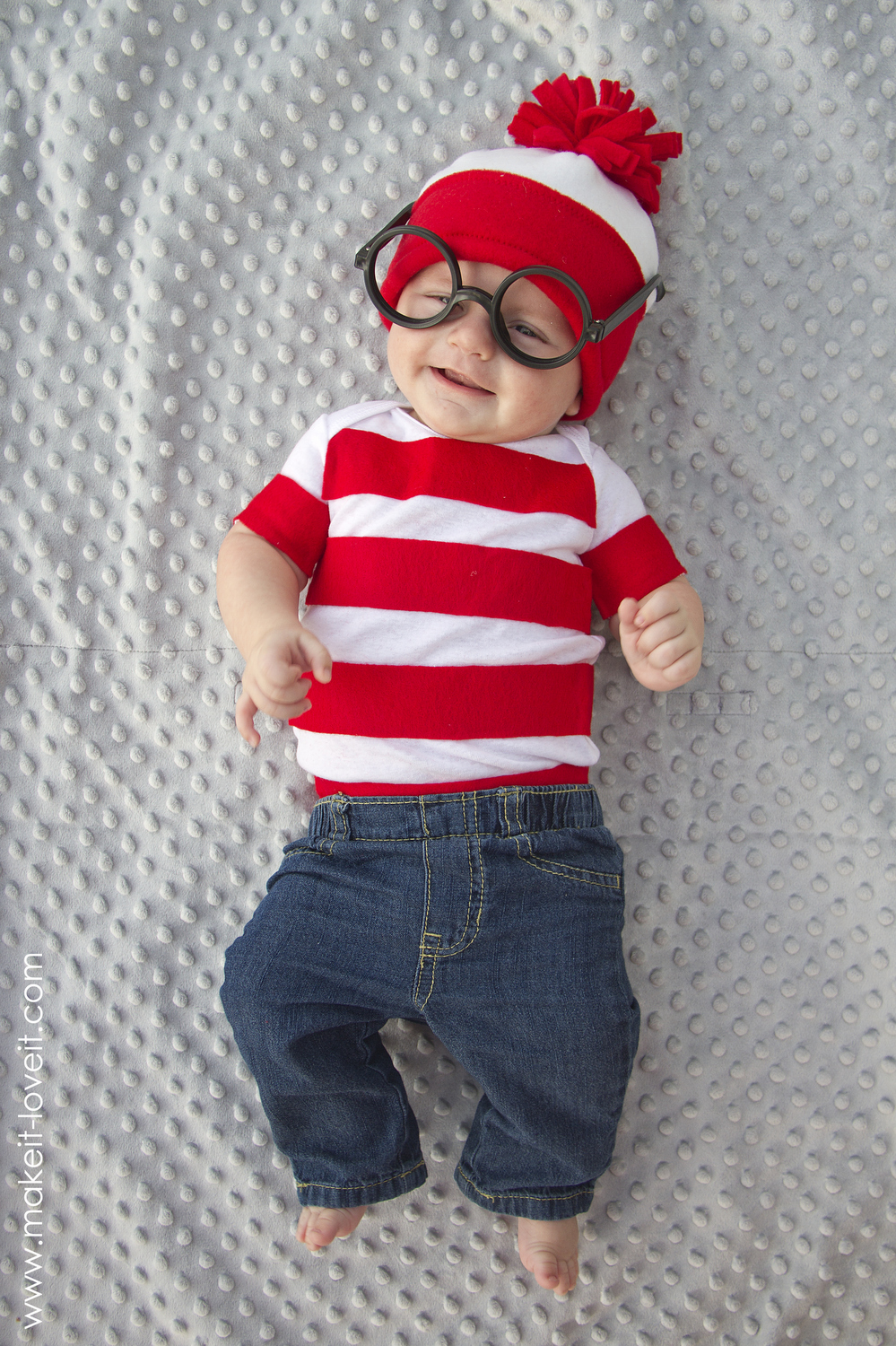 wheres-waldo-costume-6.jpg