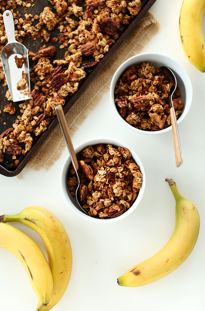 Banana-Bread-Granola-with-Walnuts-and-Flax-MINIMALISTBAKER.COM-healthy-vegan-glutenfree.jpg