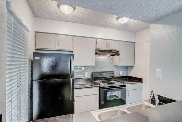 Terrain at Medical Center-3-28-16-Vacant 2 Bedroom Unit-kitchen 3 (1280x854).jpg
