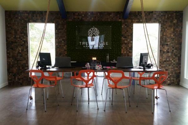 Office 1 (600x400).jpg