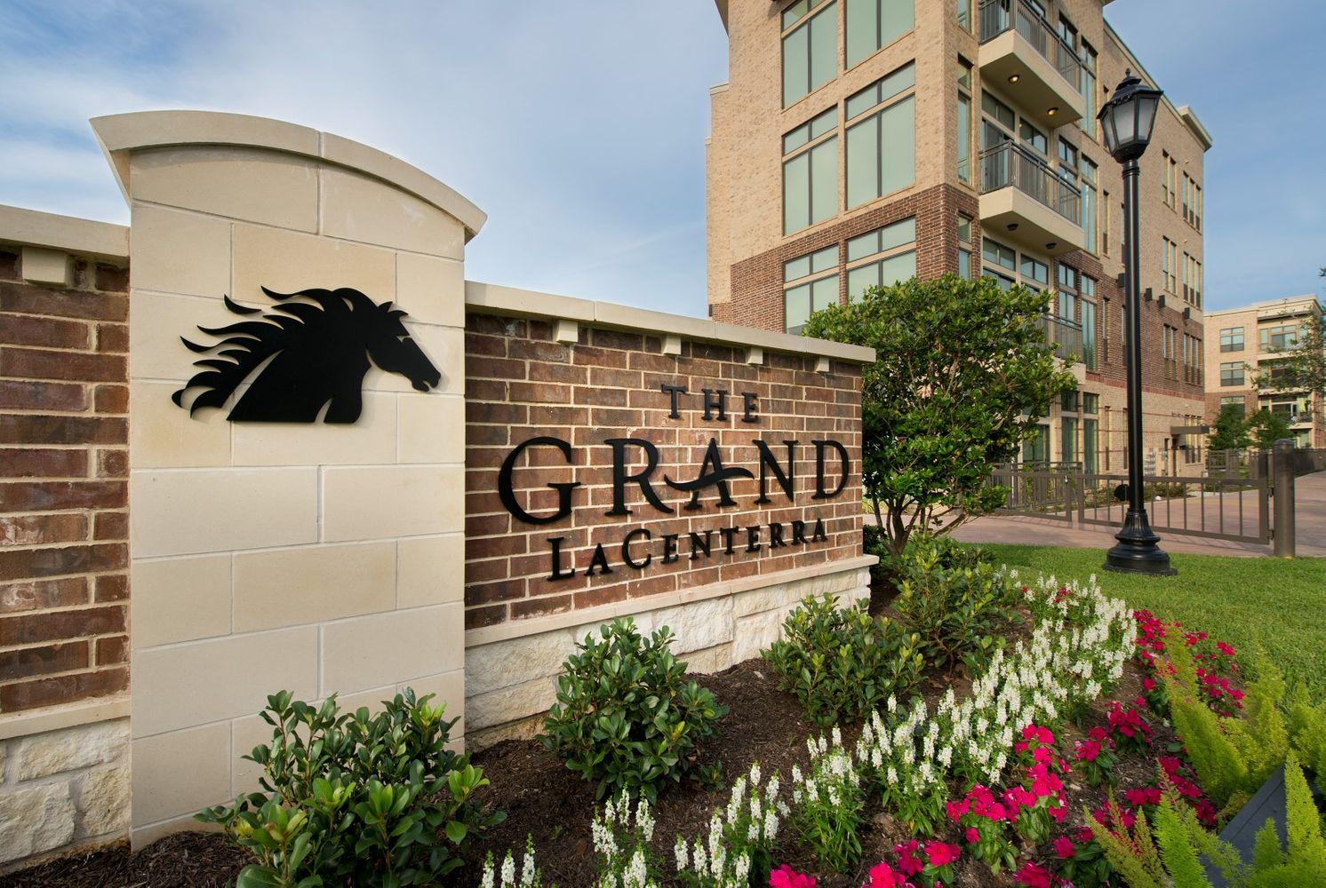 Grand 5 (Large).jpg