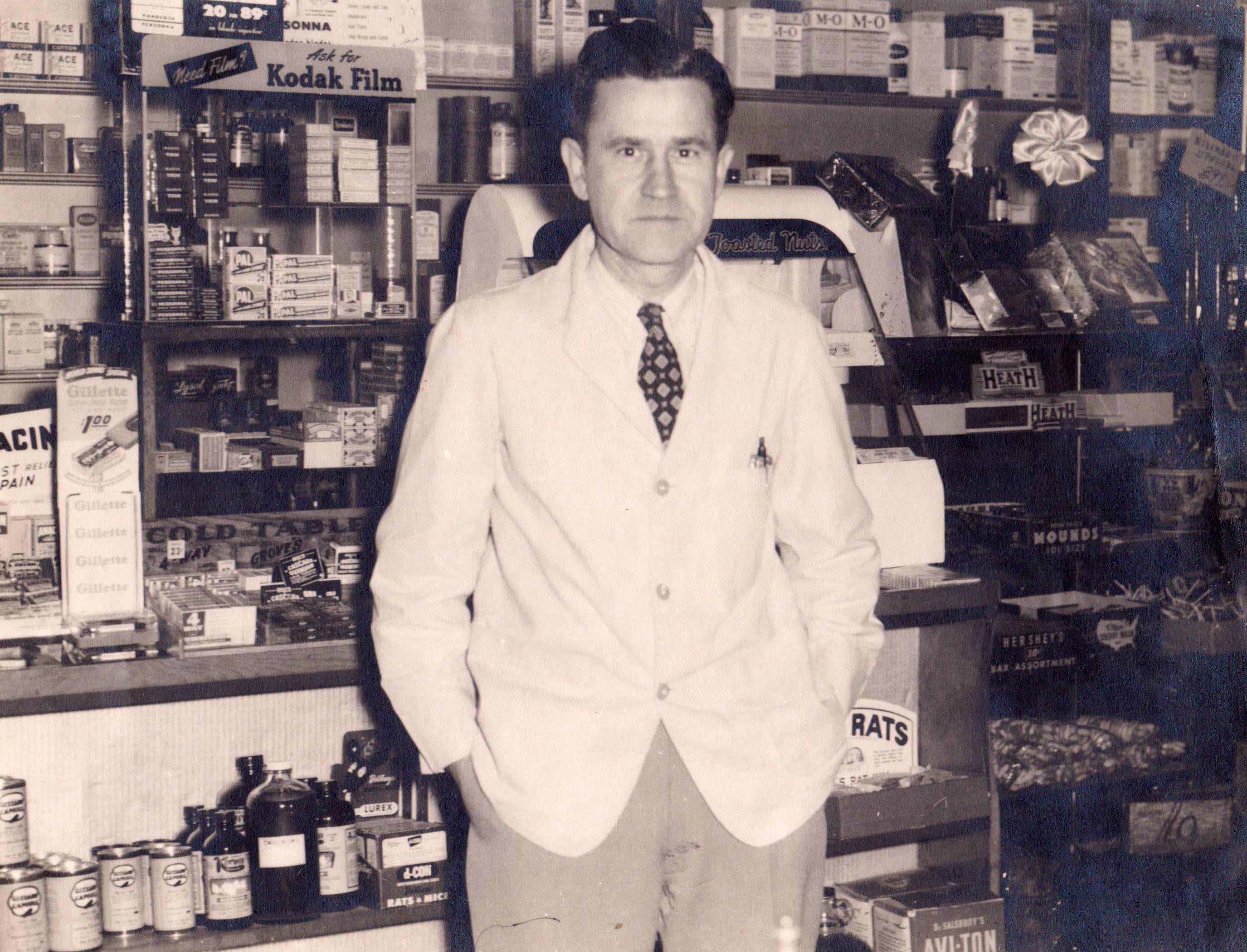 Raymond Witmer late 1940s.jpg