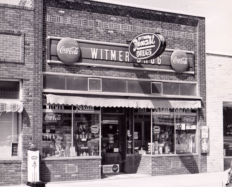 Drug Store 1957.jpg
