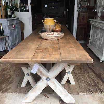 reclaimed_pine_table.png
