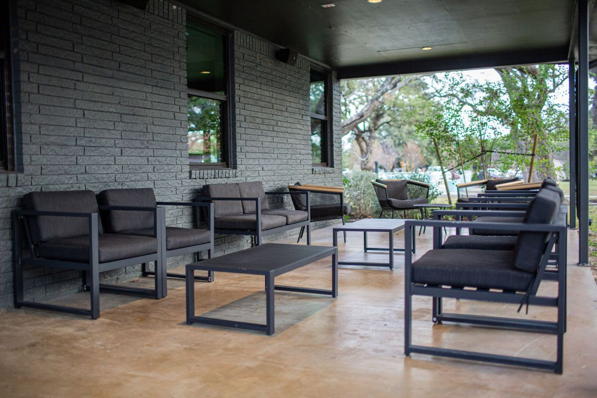 Covered Patio Standard Seating