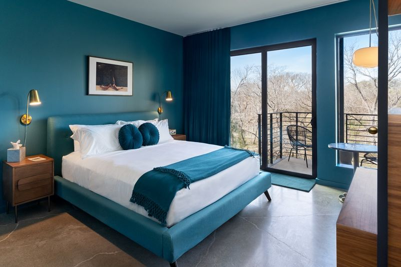 Room1200x800.jpg