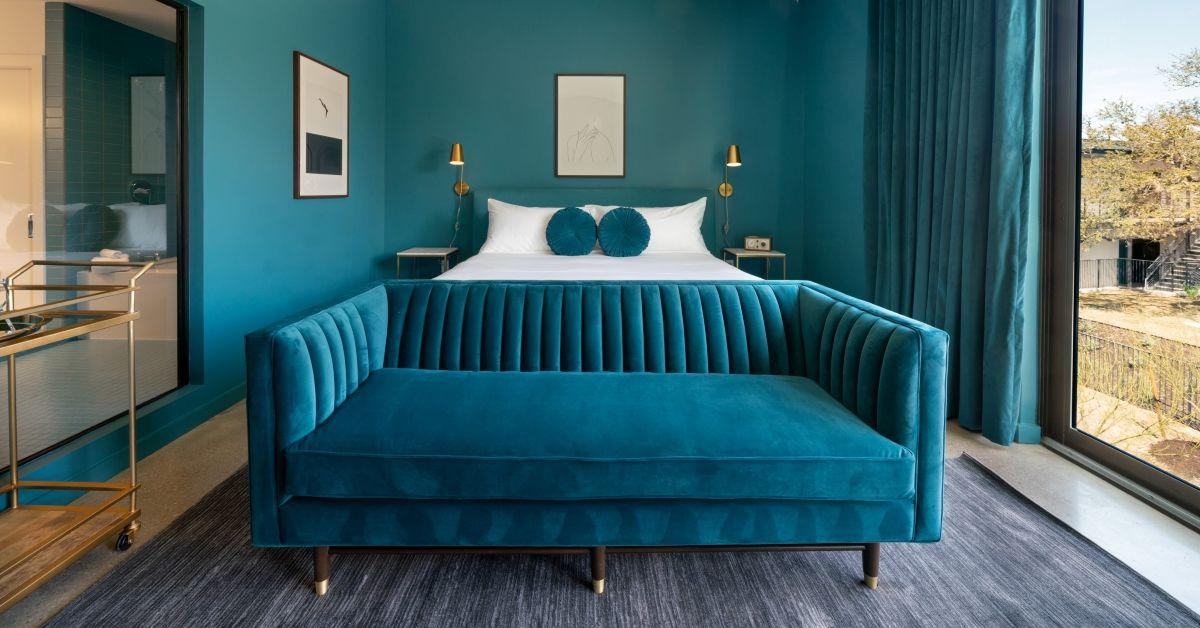 King Suite (Blue).jpg