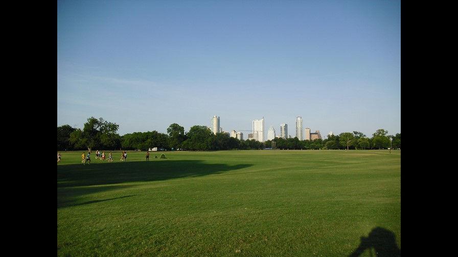 635751564610025684-Downtown-from-Zilker-Park_1846572_ver1.0.jpg