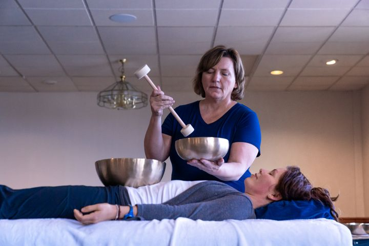 Peter Hess-46 Gina and Elaine Sound Massage.jpg