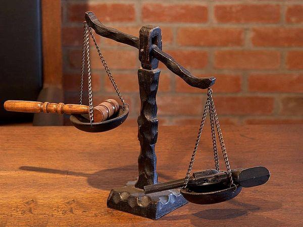 justice-387213.jpg